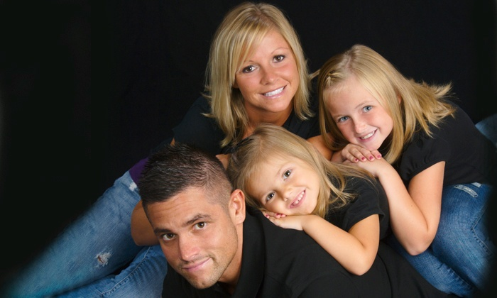 Flash Digital Portraits - Maple Grove Outlets: $20 for an In-Studio Photography Package at Flash Portraits ($109.91 Value)