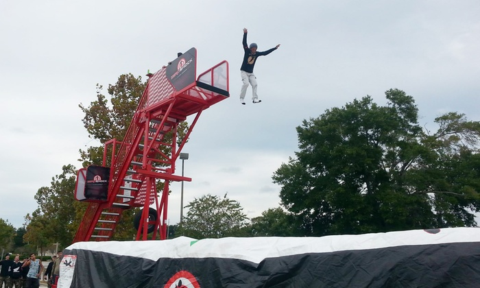 JumpXtremeUSA - Orlando: $263 for Free-Fall Stunt-Jump Equipment for Party Rental from JumpXtremeUSA ($450 Value)