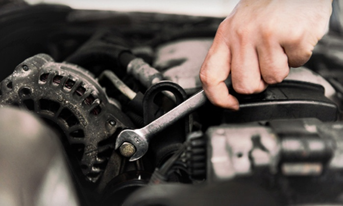 Onion Auto Service - Nepean: C$49 for an Automotive-Maintenance Package with Brake Service and Oil Change at Onion Auto Service (C$100 Value)
