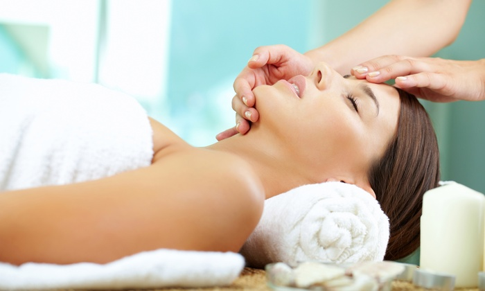 Avera Spa - Oakville: C$42 for a Massage with Facial and Exfoliating Mask at Avera Spa (C$105 Value)