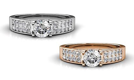 1 o 2 anillos bañados en oro blanco o rosa y decorados con cristales Swarovski®