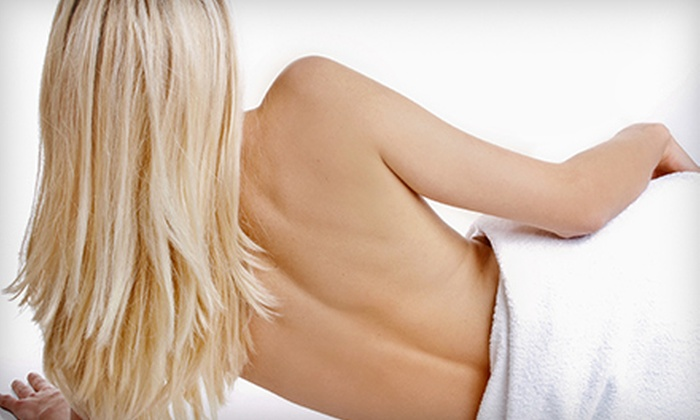 Canadian Decompression and Pain Centers - Crestview - Meadowlands: One or Two Spinal-Decompression Treatments at Canadian Decompression and Pain Centers (Up to 81% Off)