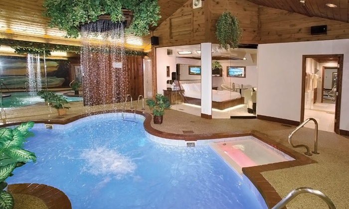 Sybaris Pool Suites - Northbrook - Northbrook, IL: 1-Night Stay for Two with Romance Package at Sybaris Pool Suites – Northbrook in Chicagoland