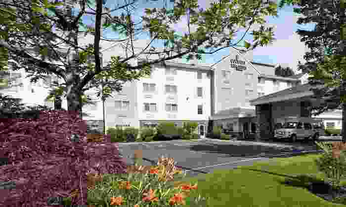 Country Inn & Suites Portland Airport - Portland International Airport: One-Night Stay with Up to 10 Days of Parking at Country Inn & Suites Portland Airport in Portland, OR
