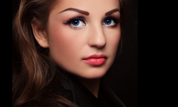 The Waxing Room - Lakeview: $15 for an Eyebrow and Lip Threading at The Waxing Room ($28 Value)