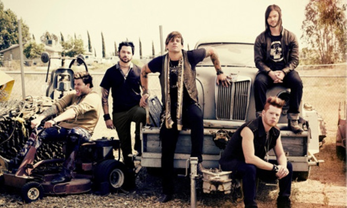 Hinder & Candlebox - House of Blues New Orleans: $20 to See Hinder & Candlebox at House of Blues New Orleans on October 8 at 7:30 p.m. (Up to $38.50 Value)