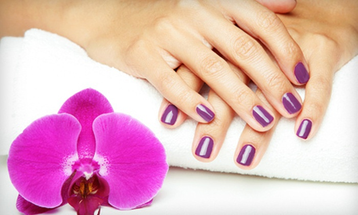 Happy Nails - Madison Park: $15 for a No-Chip Shellac Manicure at Happy Nails ($30 Value)