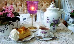 Niebieskie Migdały: Ciasto i herbata lub kawa dla dwojga za 25,99 zł oraz więcej opcji w herbaciarni Niebieskie Migdały