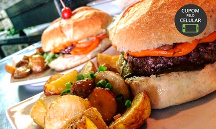 Hambúrguer + batata + bebida no Estofaria Bar – Alto da XV