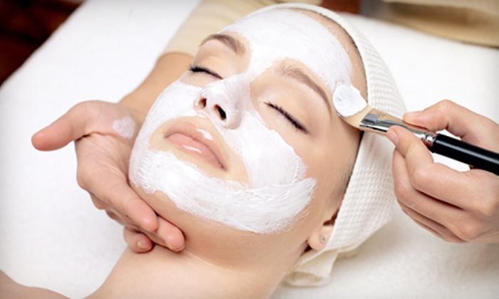 Vida Spa - Vida Spa: $35 for a 60-Minute Facial at Vida Spa ($110 Value)