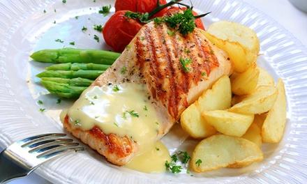 Entrée, plat et dessert pour 2 personnes à 49,90 € au restaurant Le Saint Régis