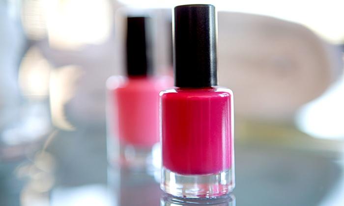 Nail Vivi - Ala Moana - Kakaako: Calgel Soak-Off Gel Manicure with Color, Glitter, or Hologram Polish at Nail ViVi ($50 Value)