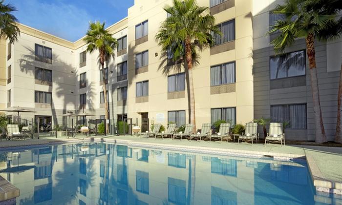 Hampton Inn Phoenix Biltmore - Phoenix: Stay at Hampton Inn Phoenix Biltmore in Phoenix, AZ, with Dates into September