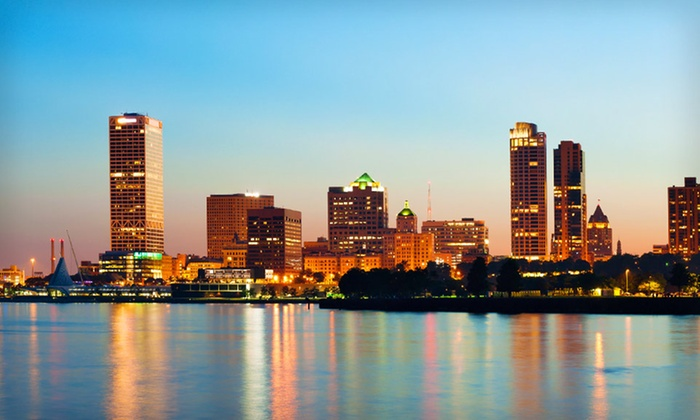 null - Green Bay: Stay at Hilton Milwaukee City Center in Milwaukee, WI