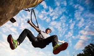 CLIMB UP! - Kletterwelten: 2,5 Std. Fels- und Höhlenklettern für 2 Personen inkl. Ausrüstung bei CLIMB UP! Bergwelt (50% sparen*)