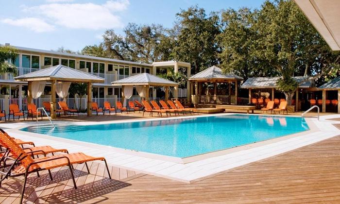 Bentley's Resort Hotel - Osprey, FL: Stay at Bentley's Resort Hotel in Osprey, FL. Dates Available into November.