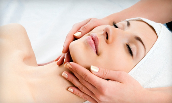 Skin Renewal Clinic - Flint: $35 for Glycolic, Salicylic, or AFA Peel at Skin Renewal Clinic in Flint (Up to $100 Value)