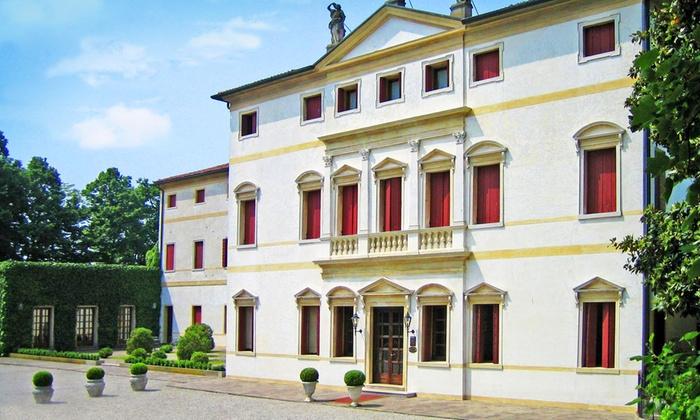 Villa Soranzo Conestabile - Scorzé: Menu gourmet e bottiglia di vino nel giardino di Villa Soranzo Conestabile (sconto fino a 61%)