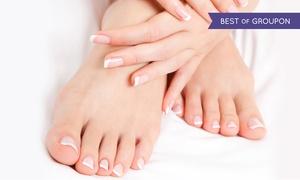 Centri Medici & Benessere: 3 o 5 manicure e pedicure presso Centri Medici & Benessere (sconto fino a 82%). Valido in 3 sedi