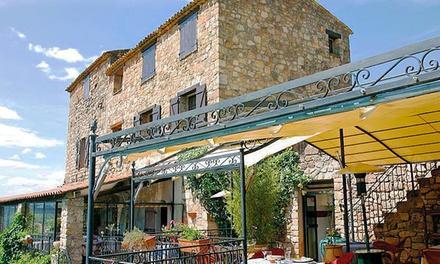 Var : 1 ou 2 nuits avec petit déjeuner et dîner en option pour 2 pers. dans la vallée de lArgens au Logis du Guetteur