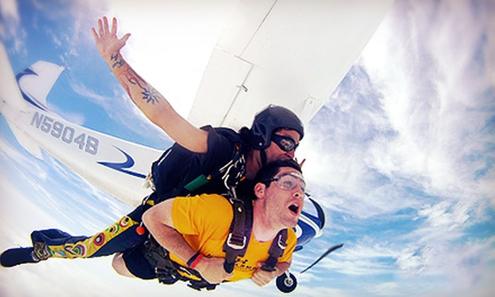 Skydive Baltimore - Aberdeen : $155 for One Tandem Skydive from Skydive Baltimore (Up to $274 Value)