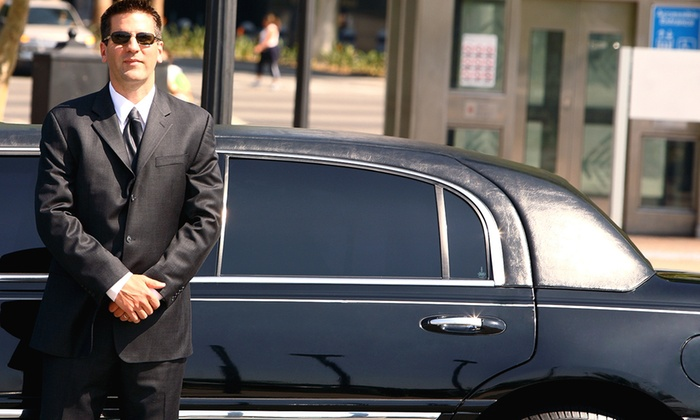 J & J Limousine Service - Chicago: $39 for One-Way Ride to or from O'Hare for up to Three Passengers from J & J Limousine Service ($90 Value)