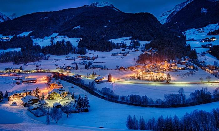 Hotel Stegerhaus - San Giovanni Valle Aurina: Bolzano e mercatini: fino a 7 notti in All Inclusive e ingresso al centro Cascade per 2 persone all'Hotel Stegerhaus