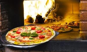 La bella vita: Menu pizza per 2 o 4 persone ascelta con bibita da La bella vita (sconto fino a 65%)
