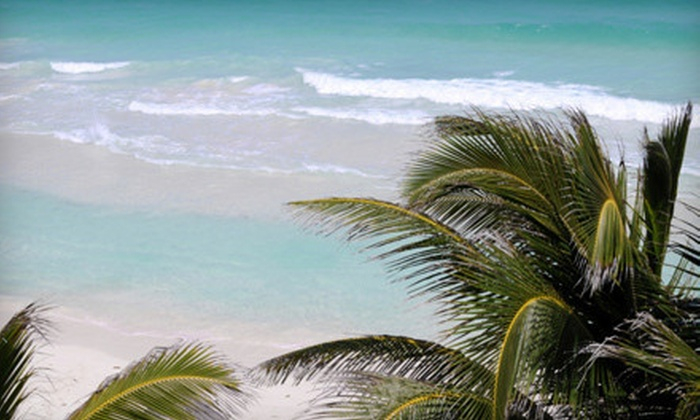 Davis Tours - Hollywood: Round-Trip Bus Trip to Key West November 10, 17, or 24 or December 1 from Davis Tours (Half Off)