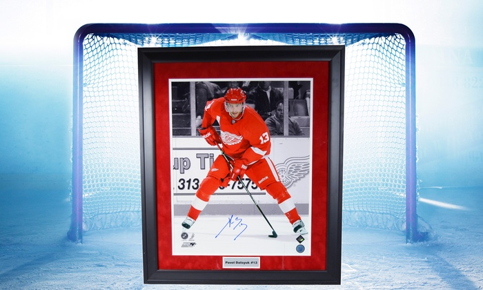 Autographed Red Wings Jerseys, Pucks, and Photos from Hockeyink.com (Up to 40%. 12 Options Available.