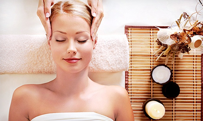 Pura Vida Massage & Wellness - Lake Oswego: $35 for 60-Minute Relaxation Massage at Pura Vida Massage & Wellness ($75 Value)