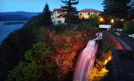 Boutique Hotel Overlooking Columbia River Gorge