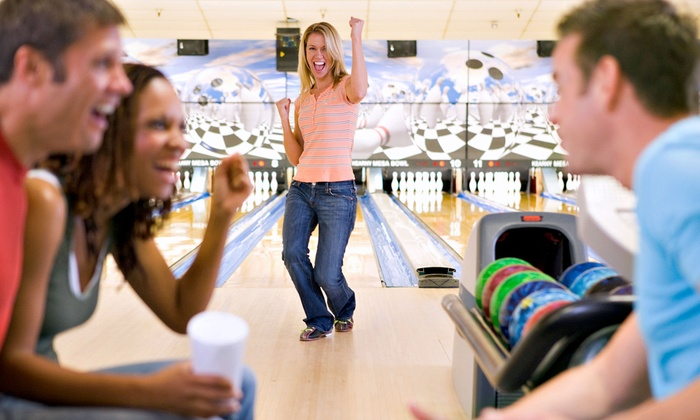 Bowl O Rama - Boynton Beach-Delray Beach: $32 for a Two-Hour Bowling Package for Up to Six with Pizza and Soda at Palm Beach Strike Zone ($65 Value)