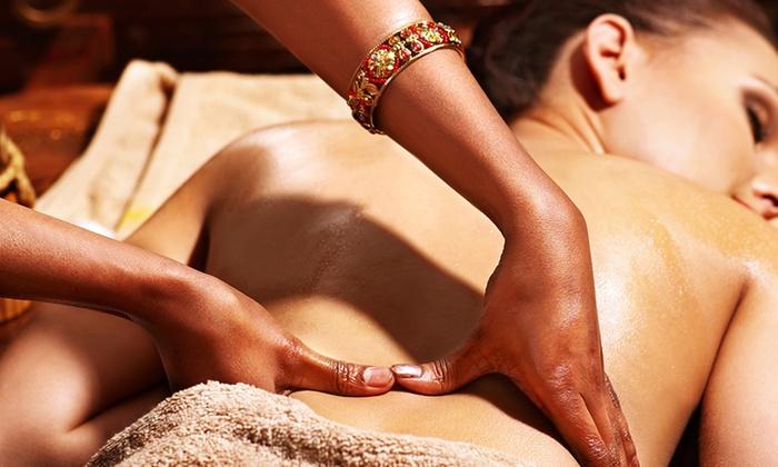 RafiMah Yoga & Ayurveda - Frankfurt: 60 Minuten Abhyanga Ganzkörper-Ölmassage RafiMah Yoga & Ayurveda (61% sparen*)