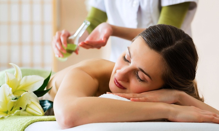 At The Table Health Ministries - Atlanta-Decatur: $68 for an Essential-Oil Raindrop Massage at At the Table Health Ministries ($125 Value)