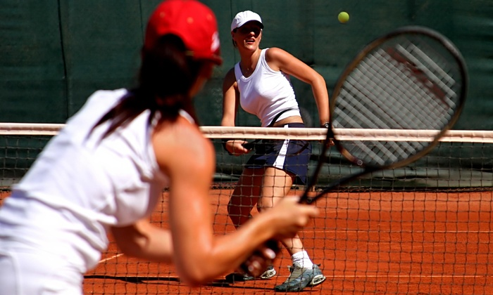 The Club at Auburn Lakes - Northwest Harris: Four Weeks of Tennis Lessons from The Club at Auburn Lakes (50% Off)