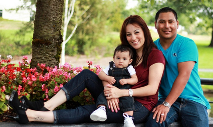 Pinao Images - Portland: $49 for 60-Minute On-Location Photo Shoot with CD of Prints from Pinao Images ($100 Value)