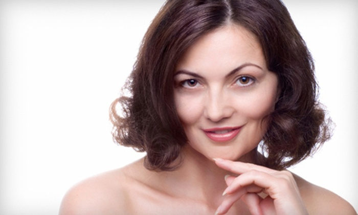 Snooty Anti-Aging Boutique - Farragut: Five B12 Injections, Five Lipotropic Injections, or 20 Units of Dysport at Snooty Anti-Aging Boutique (Up to 61% Off)