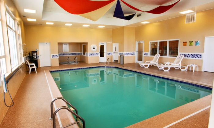 Holiday Inn Express Hotel & Suites Chicago-Algonquin - Algonquin: Stay with Optional Chocolate, Wine, and Couples Massage at Holiday Inn Express Hotel & Suites in Algonquin, IL