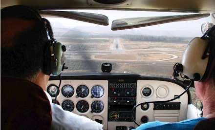 $136 for Introductory Flight Lesson at Connecticut Flight Academy ($400 Value)