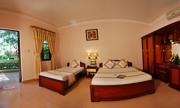 Phu Quoc Island: Stay + Flights 1