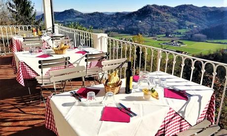 Monferrato: camera doppia con colazione o mezza pensione per 2 persone presso il Castello di San Sebastiano Po