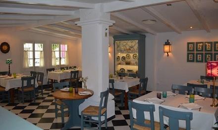 Menú para 2 o 4 personas con platos a compartir, postre y bebida desde 24,95 € en Bar Manolo León