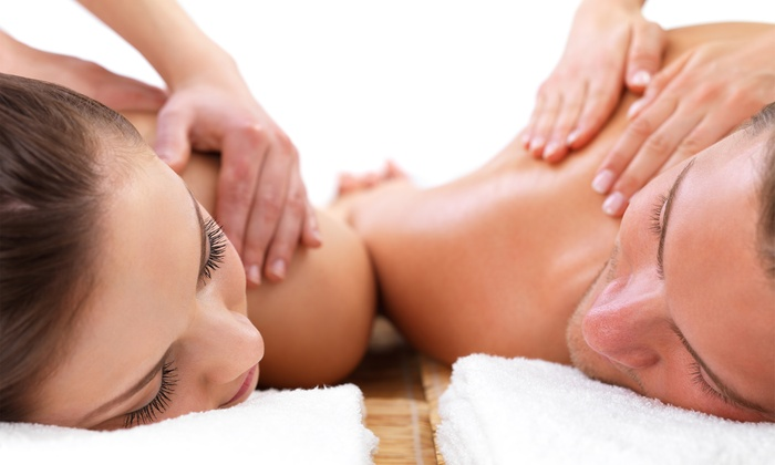 Lincoln Park Massage Spa - Chicago: $169 for a 60-Minute Couples Massage at Lincoln Park Massage Spa ($200 Value)