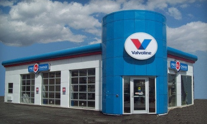 Pro Oil Change - Multiple Locations: $18 for Oil-Change Package with 21-Point Inspection and Fluid Top Off at Pro Oil Change ($43.99 Value)