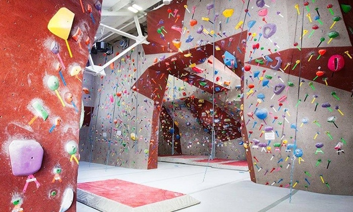Santa Barbara Rock Gym - Lower State: $50 for a Family Introduction to Climbing at Santa Barbara Rock Gym ($100 Value)
