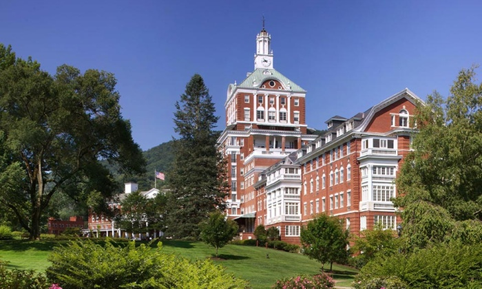 The Omni Homestead Resort - Hot Springs, VA: Stay at The Omni Homestead Resort in Hot Springs, VA; Dates into December