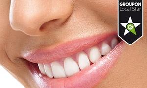 Cirom - Murcia: Blanqueamiento dental LED por 59,95 € o añade revisión y limpieza con ultrasonidos por 69,95 €