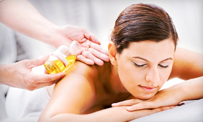 Hara Holistic Bodycenter - East Bayside: $39 for a One-Hour Aromatherapy Deep-Tissue Massage or Swedish Massage at Hara Holistic Bodycenter (Up to $85 Value)