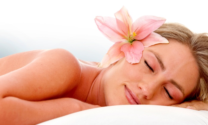 Planet Beach Contempo Spa & Tan - Exton: $69 for 10 Spa, Sunless Spray, or UV Tanning Treatments at Planet Beach Contempo Spa ($430 Value)